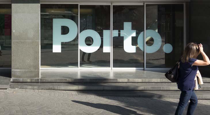 Logo Porto su vetrina
